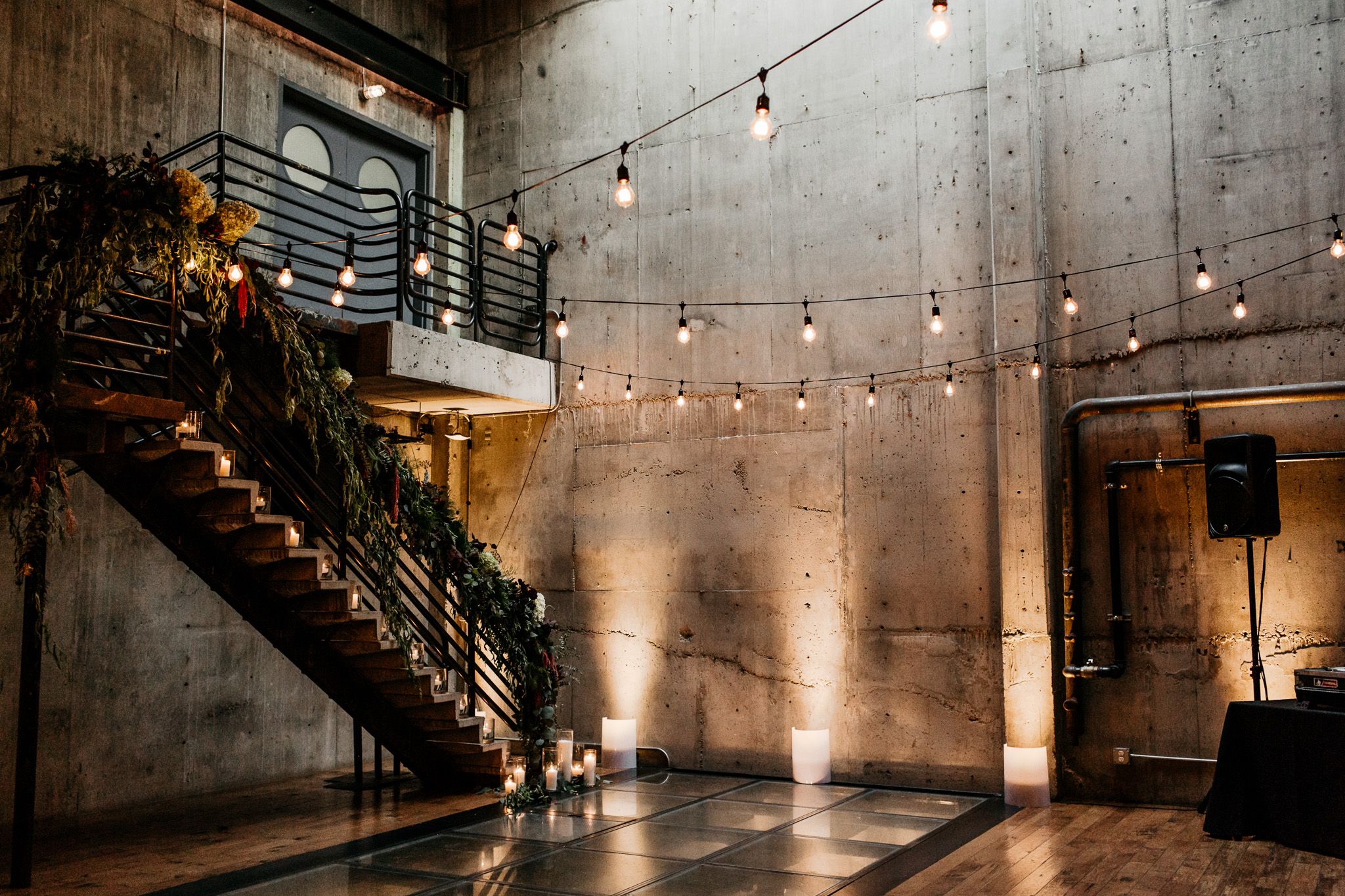 Chic Industrial Wedding at the Fremont Foundry Seattle Brittney Hyatt Photography
