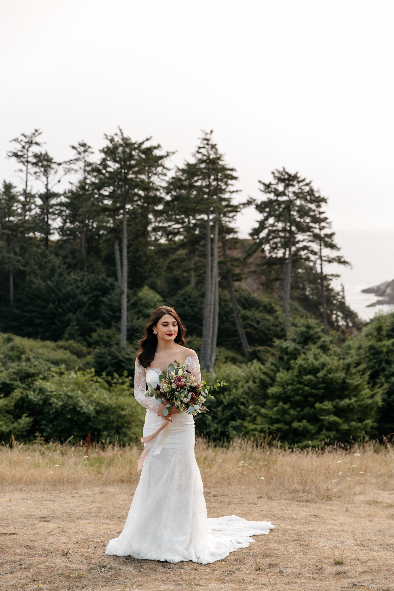 Summer Elopement at Cannon Beach Oregon with Brittney Hyatt Photography. Cannon Beach Oregon Wedding. Portland Oregon Elopement. Portland Oregon intimate wedding. Ecola State Park wedding. Ecola State Park Elopement. Ecola State Park intimate wedding. Oregon Coast Elopement. Oregon Coast intimate wedding. PNW costal elopement. PNW intimate costal wedding.