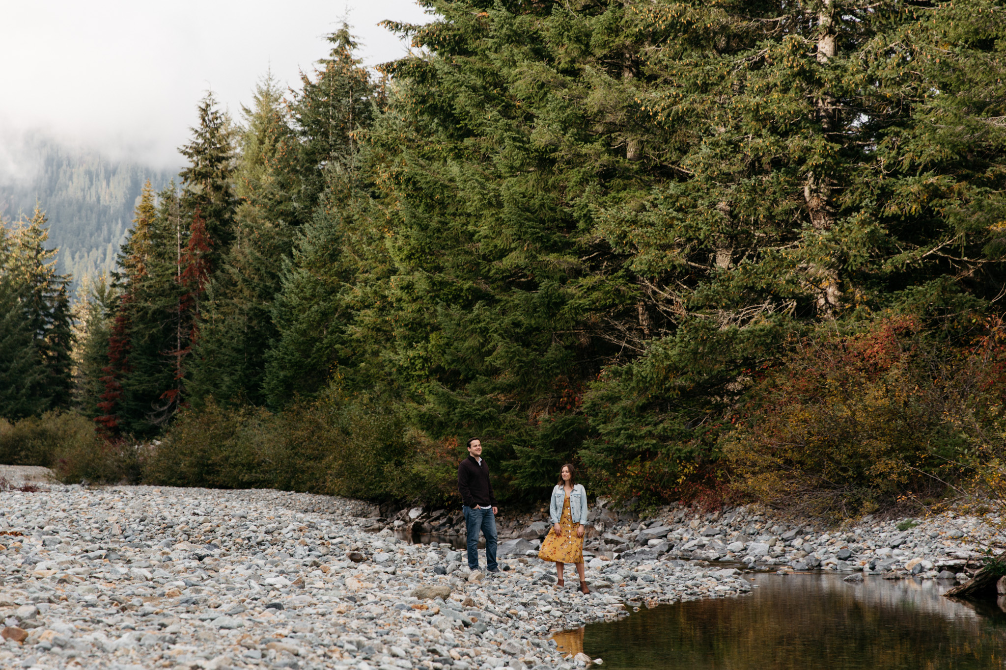 Fall Engagement Session at Gold Creek Pond Snoqualmie Pass Brittney Hyatt Photography